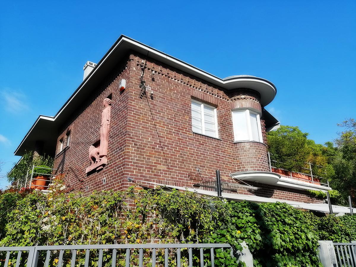Liliputi lakók és Matisse színei Pasaréten / Budapesti séták