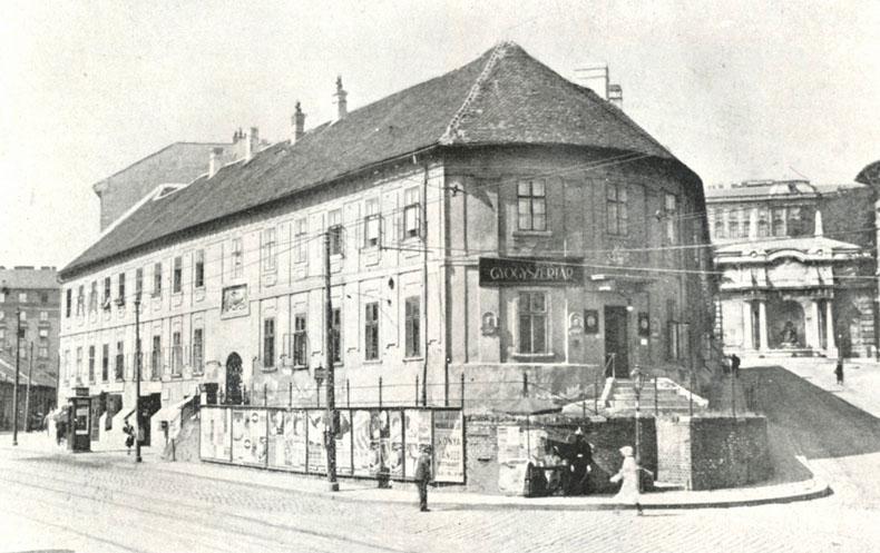 Séta a Tabánban Pajor Ildikóval, a Tabán Múzeum igazgatójával / Budapesti séta